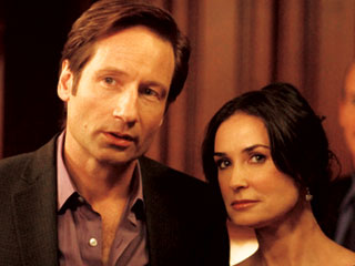 I WAS MADE TO LOVE HER David Duchovny and Demi Moore play fake spouses in The Joneses
