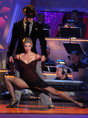 Dancing With the Stars | ERIN ANDREWS AND MAKSIM CHMERKOVSKIY: BEST Week 8: Argentine Tango (score 28) I wonder if Maks' orders — ''Come on, woman, jump on me now''…