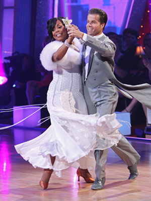Dancing With the Stars | NIECY NASH AND LOUIS VAN AMSTEL: QUICKSTEP Niecy, next time, wear the same exact getup but lose the distracting strings flailing from your skirt. Unless…