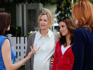 Desperate Housewives | BOMBS AWAY Good finale, crummy season. Here's to next year, Desperate Housewives !