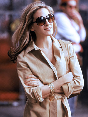 Sex and the City, Sarah Jessica Parker | When dating a politician in season 3, Carrie tries Jackie O. shades on for size.