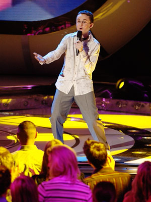 American Idol, Kevin Covais | 9. KEVIN COVAIS, ''Part-Time Lover'' (Season 5) Setting aside for a second that the song manages to somehow be simultaneously too low and too high…