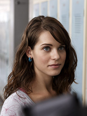 Kick-Ass | LYNDSY FONSECA as Katie Deauxma KICK-ASS Ultimate Hottie Moment: Under the mistaken impression that the main character is gay, Katie lets him rub tanning oil…