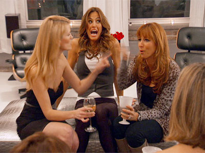 The Real Housewives of New York City | Real Housewives of NY recap: Alex vs. Jill I wish we had been able to see the clothes, but since they can't fight, they stayed…
