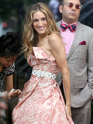 Sex and the City, Sarah Jessica Parker | The only thing cuter than Carrie's sweet summer dress: Stanford!