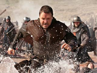 Ridley Scott, Russell Crowe, ... | MERRY MAN Russell Crowe does his best Baywatch imitation in Robin Hood