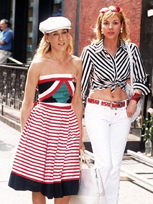 Sex and the City, Sarah Jessica Parker | Carrie and Samantha show some skin and work some stripes.