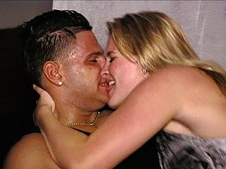 ronnie-kissing