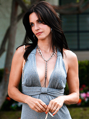 Cougar Town, Courteney Cox   COUGAR TOWN, season 1 on DVD Courteney Cox's ABC sitcom won us over ages ago, but the bonus features on the first-season DVD show there's…