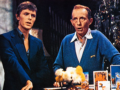 4. DAVID BOWIE & BING CROSBY ''Peace on Earth/Little Drummer Boy'' (1977) Whoever had the imagination to put the Thin White Duke and Mr. White…