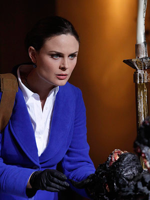 Bones, Emily Deschanel | Best Actress in a Drama EMILY DESCHANEL, BONES You know you want to say it (just like the Fox voice-over dude says it): ''Bohhhhhnnnnzzzzz.'' Yes,…