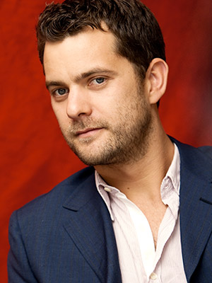 Joshua Jackson | The man threw Pacey-Con 2010, so we know he has a wonderful sense of humor and feels comfortable mocking his own image. Win!