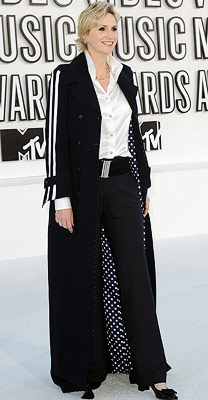 Jane Lynch, MTV Video Music Awards | JANE LYNCH The Glee star's crisp white shirt and black pant got a stunning upgrade thanks to a delectable duster with a polka-dot lining that…
