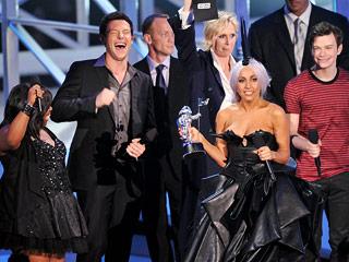 Lady-Gaga-Glee-VMAs_320.jpg
