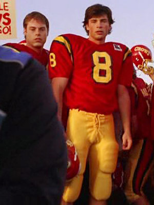 Smallville, Tom Welling | 9. Clothes don't get much more All-American.