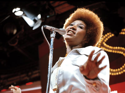 Aretha Franklin   THE BEST OF SOUL TRAIN on DVD If you've never experienced the ''hippest trip in America,'' then maybe it's time you climbed aboard the Soul…