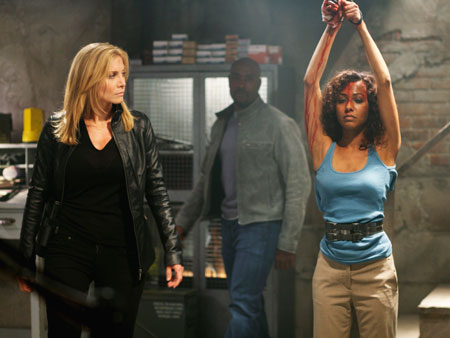 Elizabeth Mitchell (left) knows the rebooted V got off to a shaky start. ''A quiet group of people talking about doing something? That's not fun…