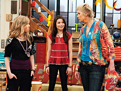 iCarly, Jane Lynch | For a kids' show, iCarly sure knows how to bring out the skanky beyotch in characters. Sam's long-alluded-to hostile mom finally appeared on an episode…