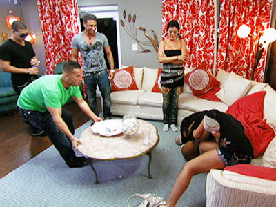 Jersey Shore | Fed up with all the fake people in her life, Angelina delivered a farewell speech to the house. Her words angered Snooki, who demurely removed…
