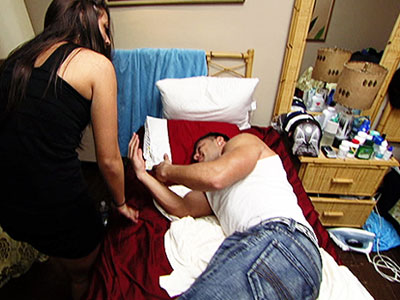 Jersey Shore | Alcohol: the cause of and solution to all life's problems. Sammi was finished with Ronnie, tired of his cheating ways. But then Ronnie came back…