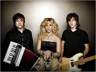 TRIPLE HEART The Band Perry