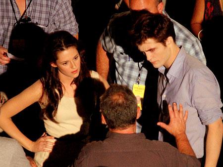 Kristen Stewart, Robert Pattinson | Stewart and Pattinson taking more direction.