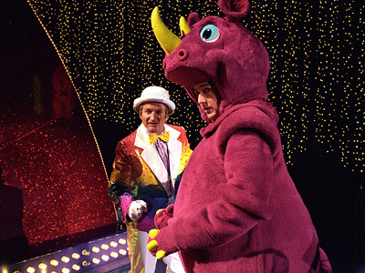 Death to Smoochy, Edward Norton | Death to Smoochy (2002) The target — Barney-type children's shows — may be tired, and the humor occasionally broad, but this arsenic-laced comedy, in which…