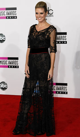 Heidi Klum, American Music Awards 2010 | Klum has many titles to her name — supermodel, actress, producer, TV host — but is gothic grandma next? Grade: F
