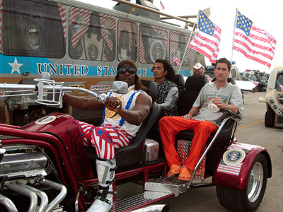 Luke Wilson, Idiocracy | Idiocracy (2006) 20th Century Fox buried Mike Judge's Brave New World -on-nitrous-oxide dystopian comedy in an unmarked grave, dumping it in just 135 theaters with…