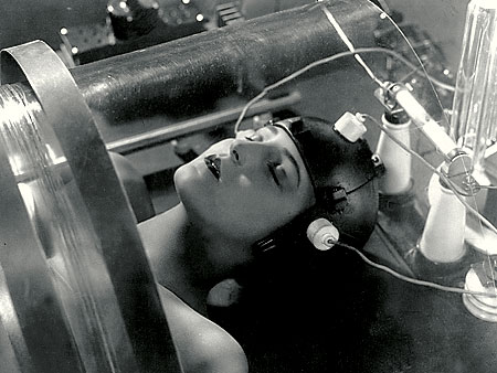 Metropolis | METROPOLIS on DVD and Blu-ray Great robotic Teutonics! Fritz Lang's 1927 silent-era sci-fi classic has been restored to even greater glory with 25 minutes of…
