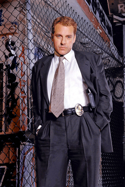 Robbery Homicide Division, Tom Sizemore | Only the most daring network cop show of the decade. This Michael Mann-produced stunner featured a terrific, pre? Celebrity Rehab Tom Sizemore leading cops through…