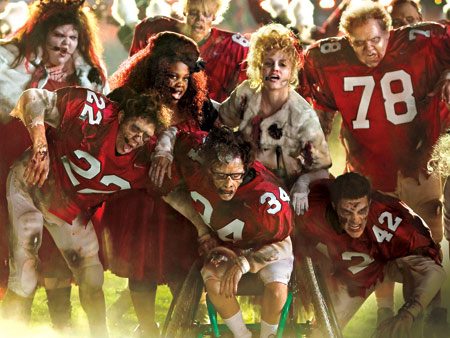 Glee | New Directions takes to the football field to perform a mash-up of Michael Jackson's ''Thriller'' and the Yeah Yeah Yeahs' ''Heads Will Roll.'' Says star…