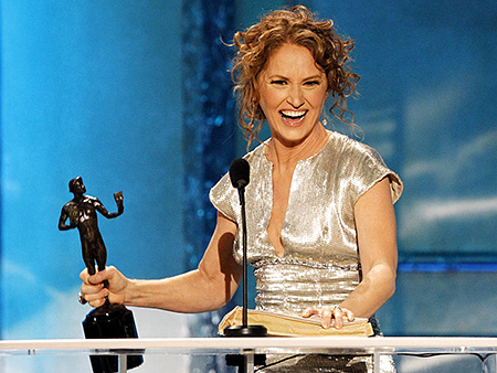 Melissa Leo, Screen Actors Guild Awards 2011 | Melissa Leo shines the spotlight elsewhere The fierce mom from The Fighter turned into a charming bowl of mush at the podium after winning Best…