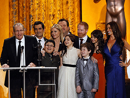Ed O'Neill, Screen Actors Guild Awards 2011 | Ed O'Neill shares the love Accepting the Comedy Ensemble award, O'Neill was the happy team player who deserves his own, individual award for his Modern…