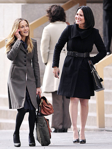 Sarah Jessica Parker and Olivia Munn filming I Don't Know How She Does It on Wall Street.