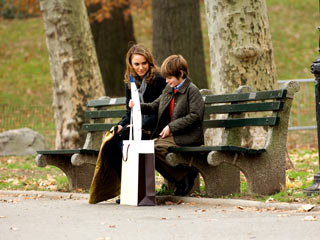 A SPECIAL PRESENT Natalie Portman and Charlie Tahan in The Other Woman