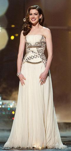 Anne-Hathaway-Oscar-dress1