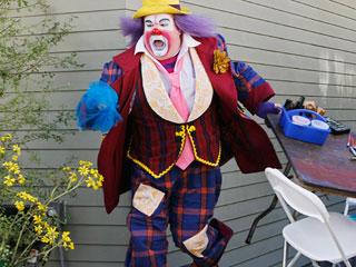 Modern-Family-clown