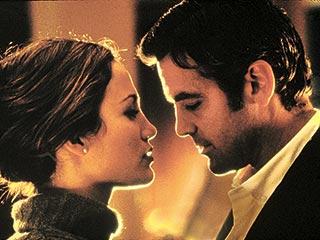 George Clooney, Jennifer Lopez, ... | MUTUAL ATTRACTION Jennifer Lopez and George Clooney in Out of Sight