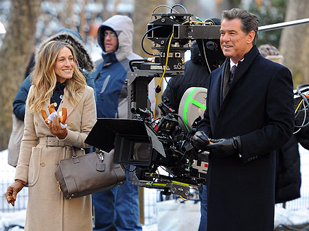 Sarah Jessica Parker and Pierce Brosnan filming I Don't Know How She Does It .