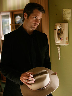 Justified, Timothy Olyphant | (Votes received: 390; 2%) ''Raylan Givens — mostly because he looks oh-so-irresistible in a cowboy hat.'' — TV Junkie