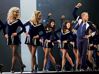 Lord of the Dance in 3D | IRISH-AMERICAN STEPS Michael Flatley and his troupe in Lord of the Dance in 3D