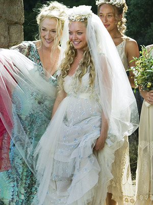 Mamma Mia!, Amanda Seyfried, ... | The layered lacy frock that Sophie (Amanda Seyfried) wore to her un-nuptials was the perfect match for the Greek island setting.