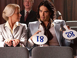 Helen Mirren, Russell Brand | DRUNKEN PLAYBOY Helen Mirren and Russell Brand in Arthur