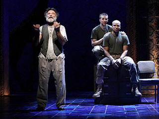 Glenn Davis, Robin Williams | BENGAL TIGER AT THE BAGHDAD ZOO Robin Williams, Brad Fleischer, and Glenn Davis