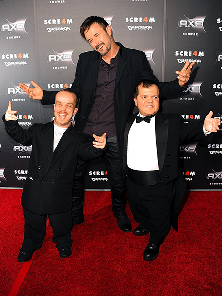 David Arquette with Matt 'Wee Matt' McCarthy (left) and Donnie Davis (right)