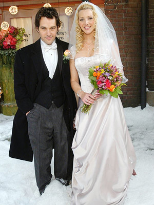 Friends, Lisa Kudrow, ... | We're not sure if it was the snow, or the presence of Paul Rudd, but something about seeing Phoebe (Lisa Kudrow) in her winter wedding…