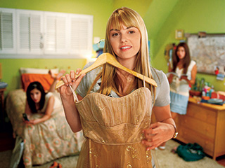 Prom   PERFECT DRESS Aimee Teegarden getting ready for that special night in Prom