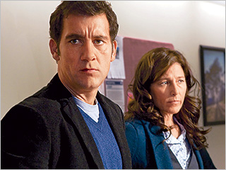 Clive Owen, Catherine Keener | PARENTING IN THE AGE OF TECHNOLOGY Clive Owen and Catherine Keener in Trust