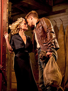Robert Pattinson, Reese Witherspoon, ... | UNEXPECTED ROMANCE Reese Witherspoon and Robert Pattinson in Water for Elephants